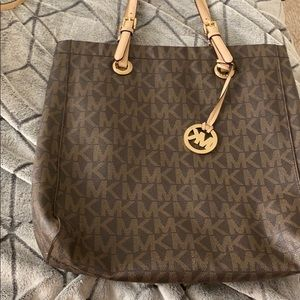 Michael kors oversized bag